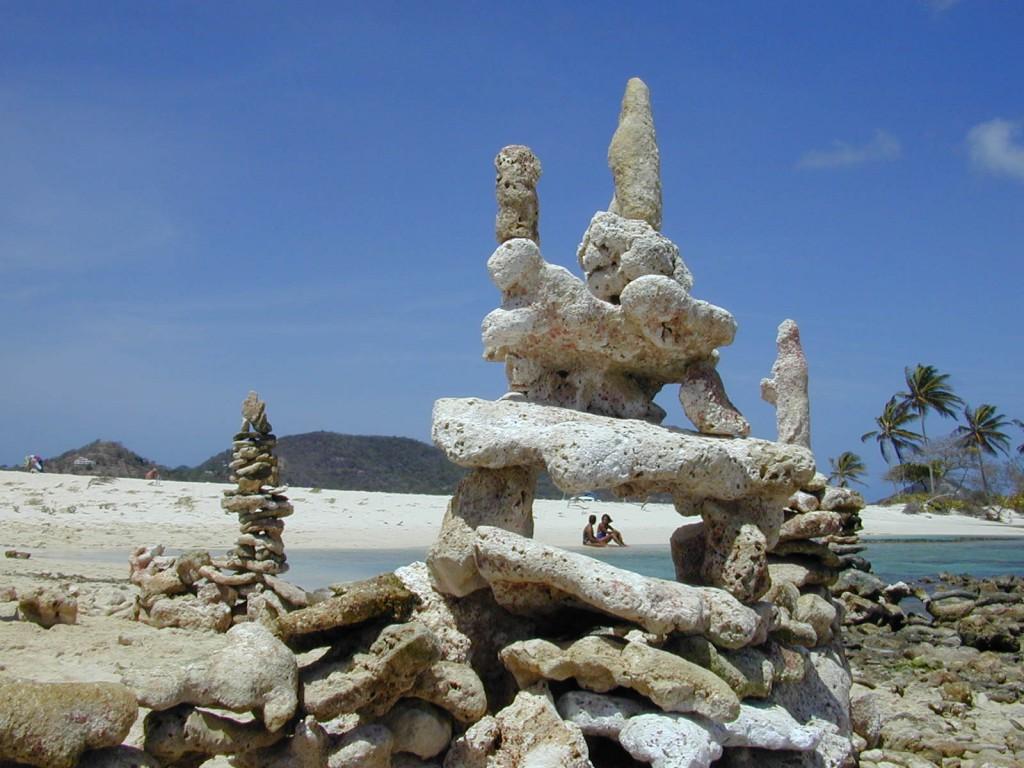 OmorO - Cairns White Island - 2001