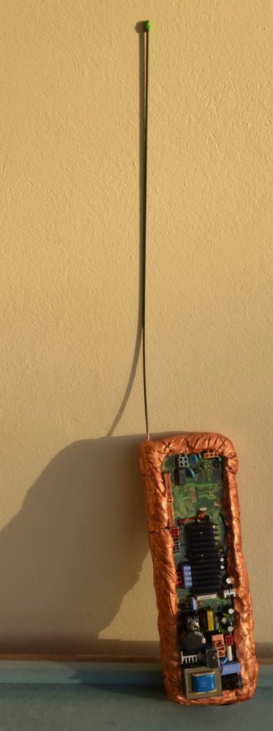 OmorO - Radiotéléphone intergalactique - 2013 - Techniques Mixtes - 14 x 38 x 10 cm (plus antenne de 52 cm)